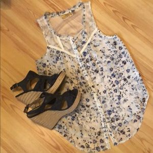 Pretty, sleeveless, sheer, floral top,button front